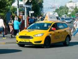 Водителям такси запретят долго находиться за рулем