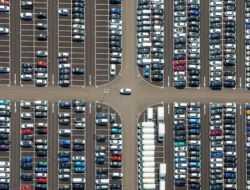 За две недели 13 компаний изменили цены на автомобили в России