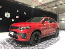 Китайская Geely везет в Россию новый кроссовер-купе