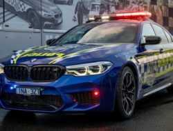 Полиция Австралии получила спортивный седан BMW M5