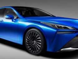 Toyota представила новый водородный седан
