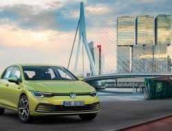 Новый Volkswagen Golf оставят без DSG в России
