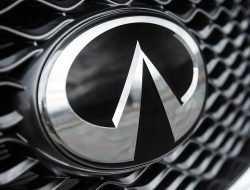 Infiniti на полгода задерживается с премьерой новейшего купе-кроссовера