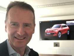 Глава Volkswagen случайно «засветил» облик нового Tiguan