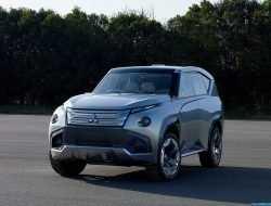 Японцы неожиданно решили выпустить Mitsubishi Pajero нового поколения