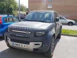 Новый Land Rover Defender заметили в Москве