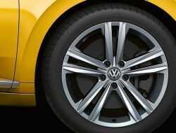 Опубликованы первые фото Volkswagen Arteon Shooting Brake без камуфляжа
