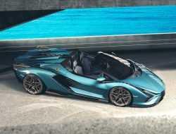 Lamborghini представила самый мощный родстер за всю историю