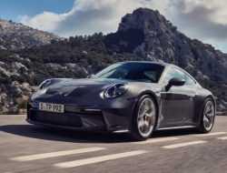 Porsche назвала российскую стоимость новой версии суперкара 911 GT3